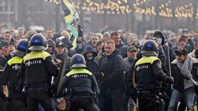 تصویر اعتراض به محدودیت های کرونایی در هلند/ پلیس به زور متوسل شد