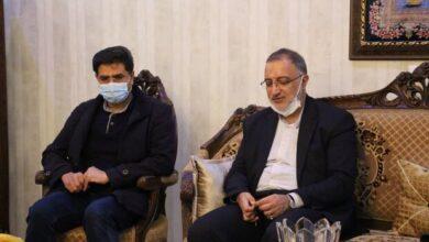 تصویر شهید دکتر فاتحی در بین پزشکان زبانزد بود