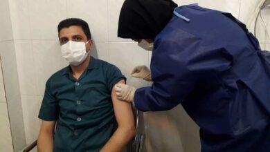 تصویر تزریق واکسن کرونا در آران و بیدگل آغاز شد