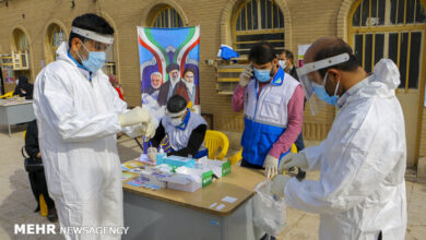 تصویر تقدیر از گروههای جهادی مستقر در بیمارستانهای دانشگاه علوم پزشکی